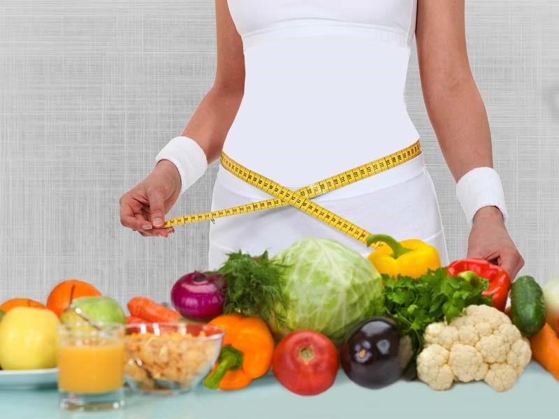 برخی افراد مصرف غذاهای خود را کاهش می دهند