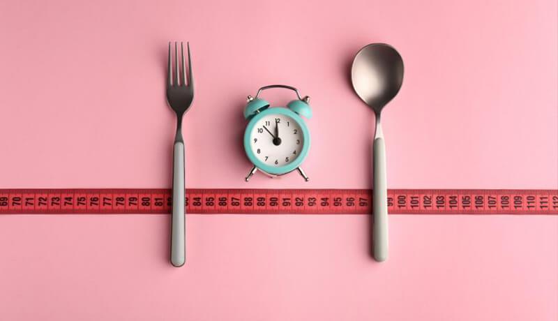 یک رژیم غذایی سالم باید شامل موارد زیر باشد: