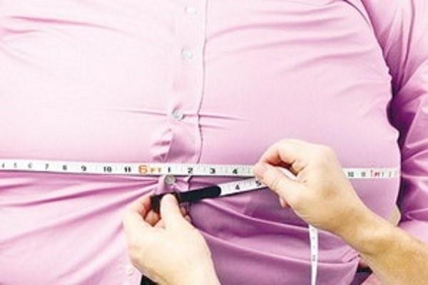 ترشی یکی از خوراکی هایی می باشد که در تغذیه بعد از عمل اسلیو منع مصرف دارد!