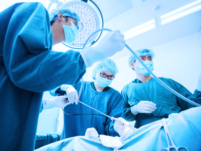 مشورت با جراح متخصص