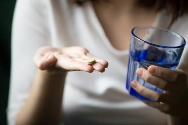 آیا کسانی که قبل از اقدام به عمل های لاغری و عمل جراحی اسلیو معده دچار کمبود ویتامین می باشند، می بایست قبل از عمل آن را درمان نمایند؟