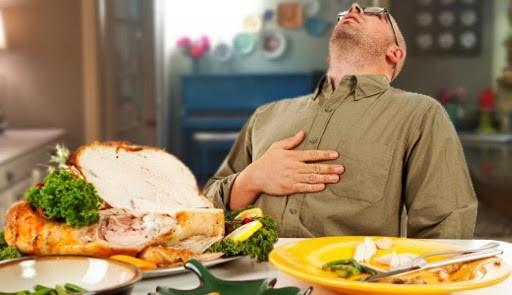 افرادی که عمل بای پس معده را انجام داده اند، پس از عمل هنگام غذا خوردن چه نکاتی را باید رعایت کنند؟