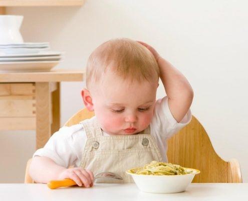 اگر یک کودک دارای فعالیت هایی نرمال می باشد، ولی میزان و حجم غذایش خیلی زیاد است