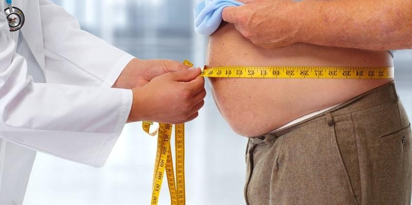 هر فردی که دارای مشکل چاقی می باشد، می تواند برای بررسی دقیق تر شرایط جسمی، وزنی و ... خود با یک متخصص مشورت نماید