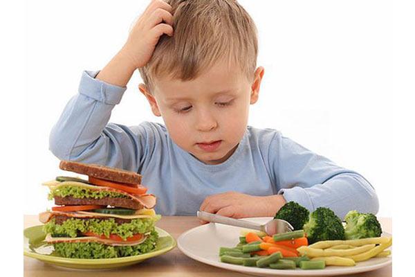 آیا در خصوص مهم ترین علت ها و دلایل برای چاقی کودکان اطلاعاتی دارید؟