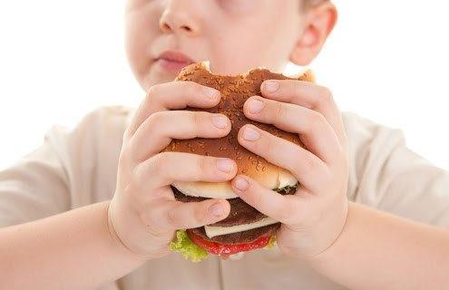 آیا در خصوص غذاهایی که در رشد و تغذیه مناسب کودک تاثیرات مثبتی داشته و نباید در رژیم های غذایی حذف شوند، اطلاعاتی دارید؟