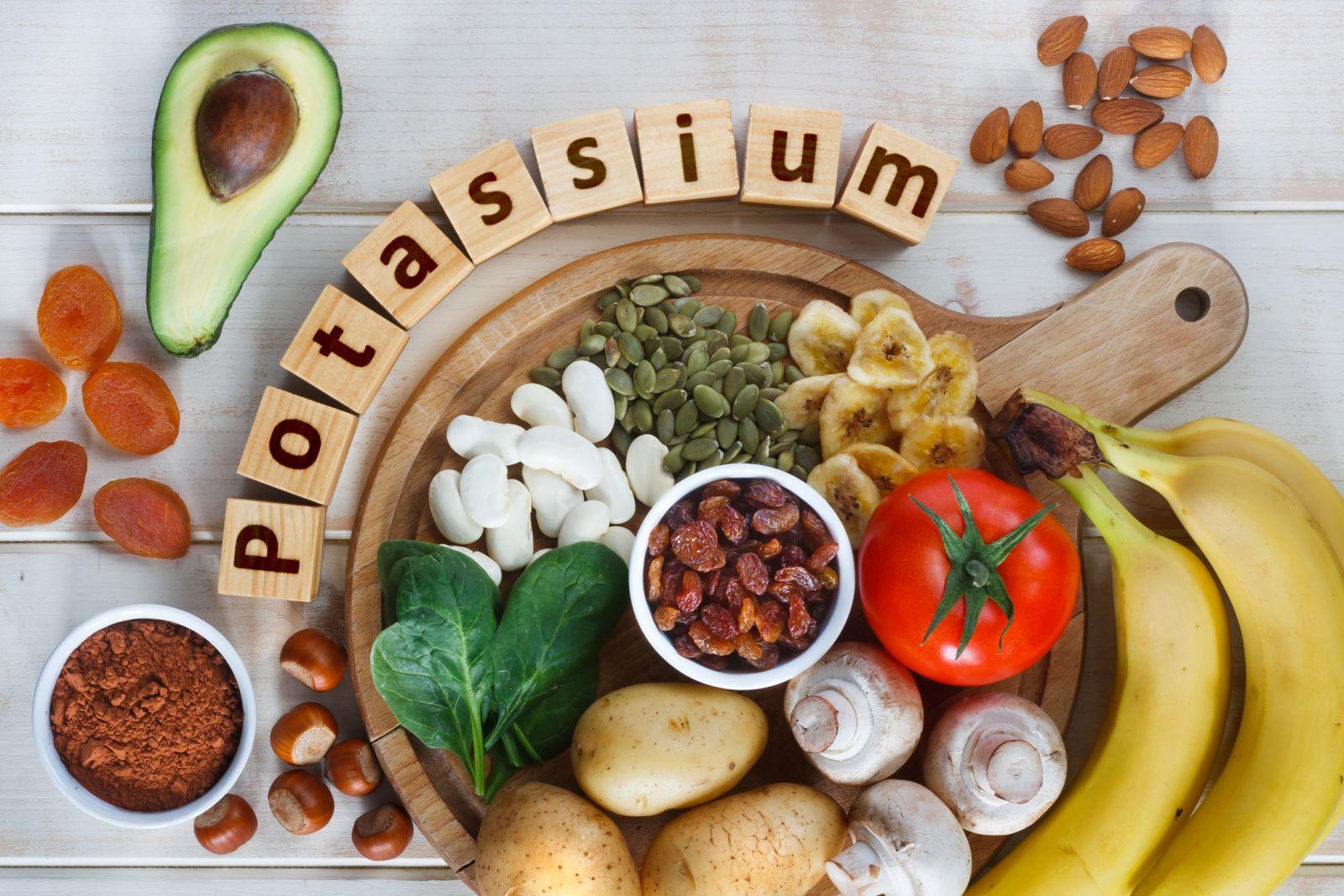 مواد غذایی مفید برای کاهش کراتینین خون