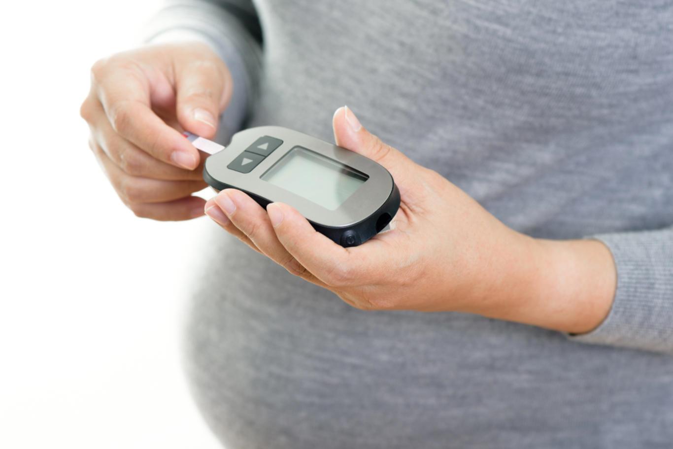 معمولا بیماری دیابت بارداری موقتی است و تاثیری برروی فرزند ندارد