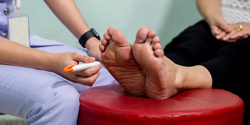 چگونه از عفونت زخم های دیابتی جلوگیری کنیم؟