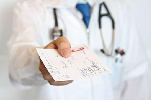 تجویز داروی مناسب بنا به اطلاعات قند خون روزانه بیمار