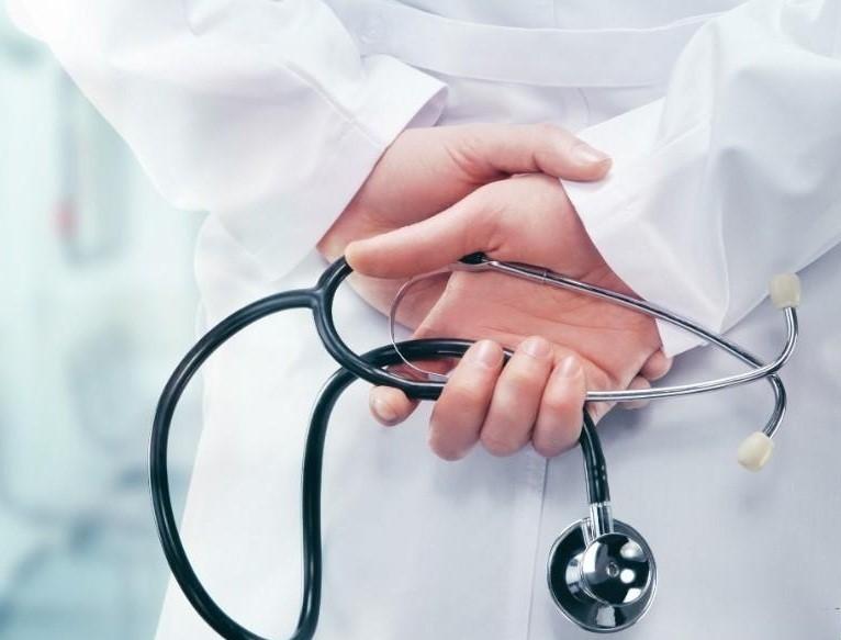 انتخاب بهترین دکتر بای پس معده در تهران بر اساس چه مواردی صورت میگیرد؟